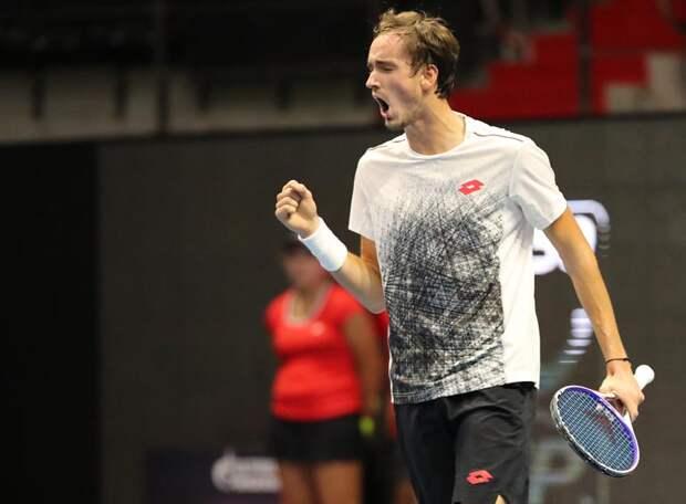 Медведев и Рублев по-разному вышли в четвертьфинал представительного турнира в Вене