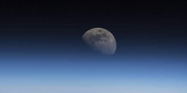 SpaceX отправит к Луне оплаченный криптовалютой спутник