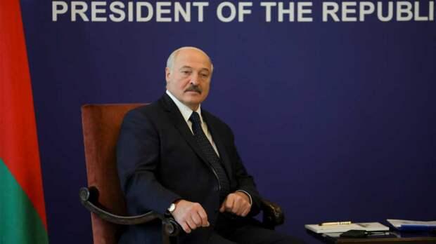 Лукашенко хочет переизбраться вместе с президентом США