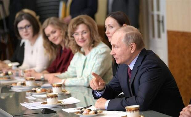 Самарский стартап: в канун 8 марта Владимир Путин высоко оценил лидерские качества женщин