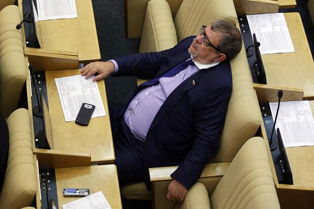 Госдума приняла закон об увеличении финансирования политических партий