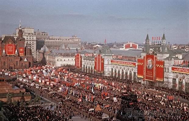 Почему в Советском Союзе не было выходных целых 11 лет