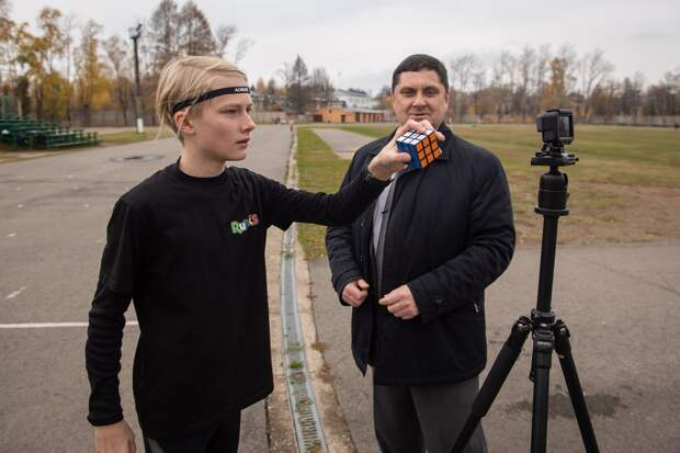 Российский школьник собрал кубик Рубика на бегу и попал в Книгу рекордов Гиннесса