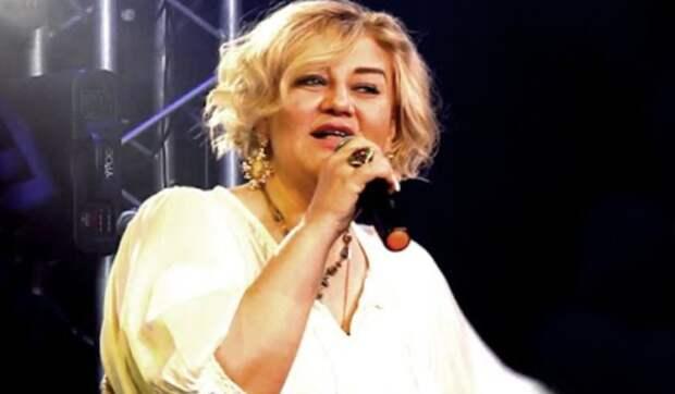 Елена Ветер исполняет красивую песню ''Горят глаза''
