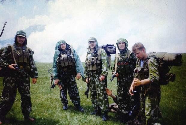 Бойцы 22 бригады ГРУ в Карабахе, лето 1991 года.