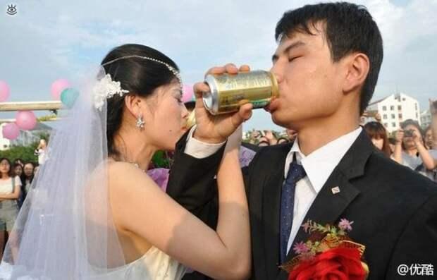 Прикольные свадебные торжества 15