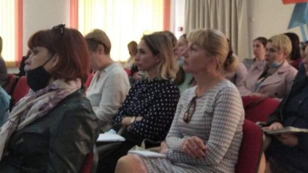 Состоялось выездное республиканское совещание для руководителей и педагогов общеобразовательных учреждений района о внедрении в республике единой системы электронных журналов