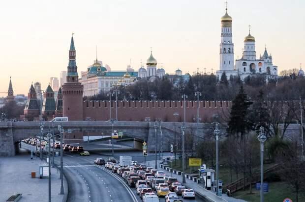 «Рубикон»: синоптики рассказали, когда москвичам следует начать менять резину на зимнюю