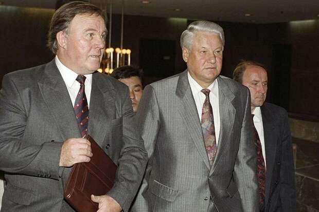 Гордон рассказал о неизвестном факте из жизни Ельцина и о том, кто превратил его в народного героя