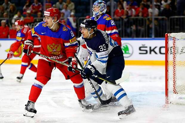 Советская школа хоккея, в которую играла Финляндия, на голову превосходила канадскую, в которую сыграла Россия