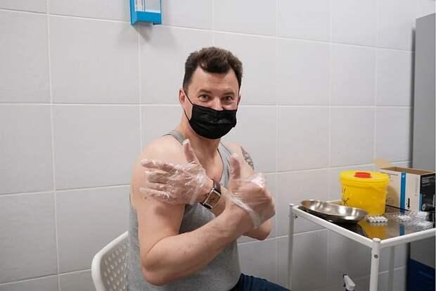 Космонавт Роман Романенко: Каждый гражданин, понимающий свою ответственность за здоровье близких, должен пройти вакцинацию