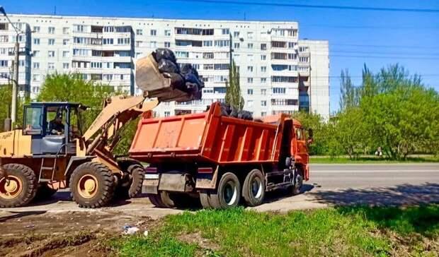 Ликвидация листвы. ВОмске решили судьбу мусора, собранного насубботниках