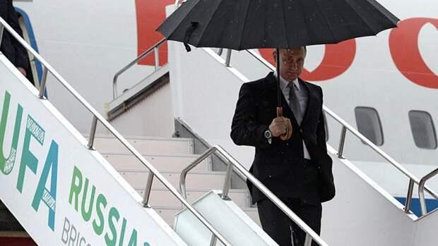 Бывший пилот Путина рассказал о поведении президента на борту самолета