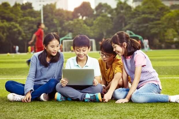 Сингапур переведет все школы надистанционку, опасаясь индийского штамма COVID-19: Новости ➕1, 17.05.2021