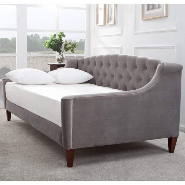Особое внимание стоит обратить на размер спального места, стандарт для двуспальных моделей – около 195 см х 140 см.