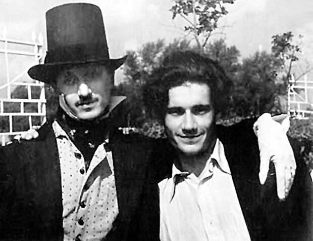 Студенты Вася и Элик (1948 г.)