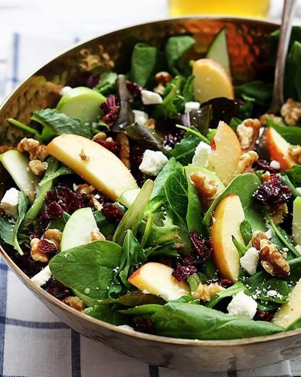 20 идей, чем заменить оливье и селедку под шубой на новогоднем столе