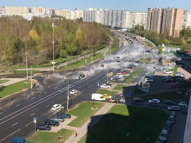 На участке тепловой сети на Хачатуряна произошла утечка