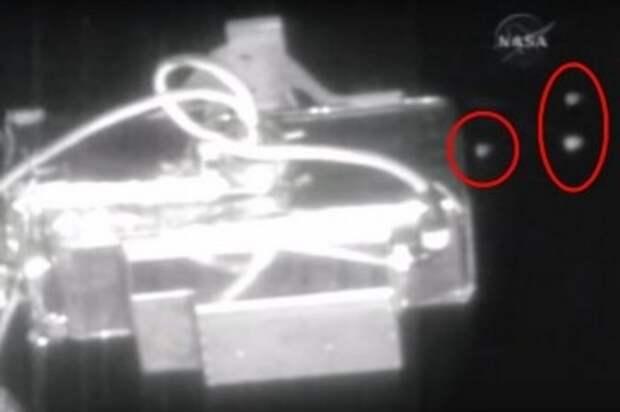Это вряд ли покажут на центральном канале: Около МКС пролетела эскадрилья из пяти НЛО