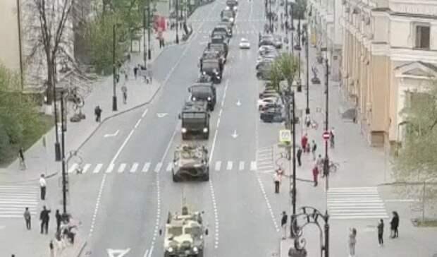 Колонна военной техники прошла поулицам Тюмени