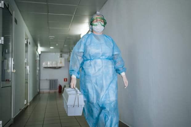 Медиков из Удмуртии отметили наградами президента России за борьбу с коронавирусом