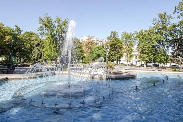 В Краснодаре ко Дню ВДВ выключили фонтаны