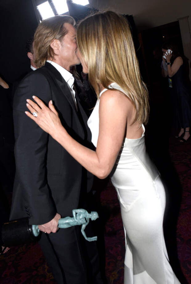 Снова вместе: Брэд Питт и Дженнифер Энистон воссоединились на Премии Гильдии киноактеров