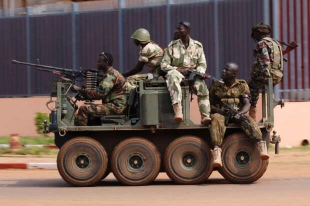 Броневик в Центрально-Африканской Республике.