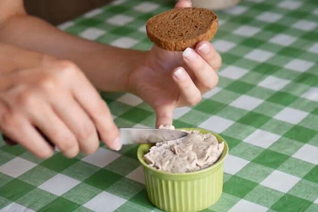 Потрясающая намазка на хлеб: готовим за 3 минуты