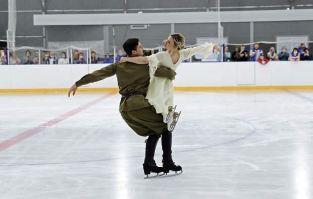 Фестиваль любительских соревнований по фигурному катанию проходит в Крыму