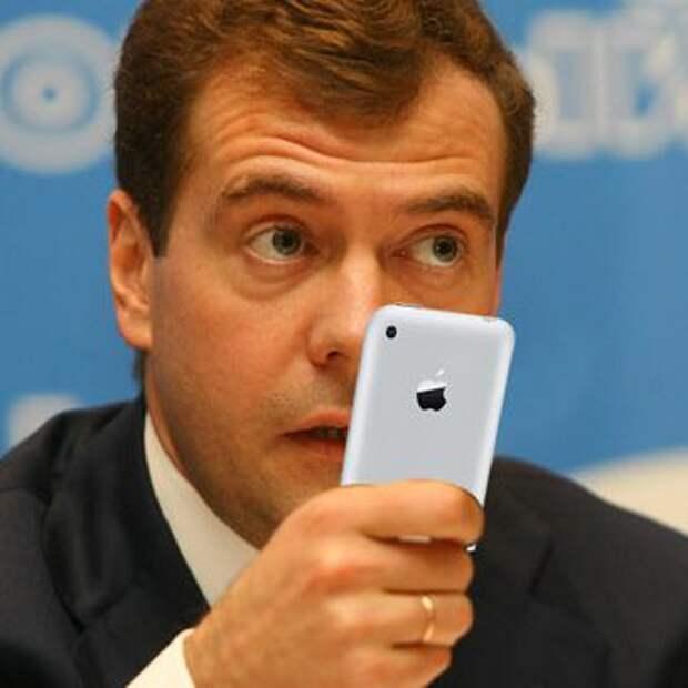Медведев с блеском доказал ненужность поста премьера