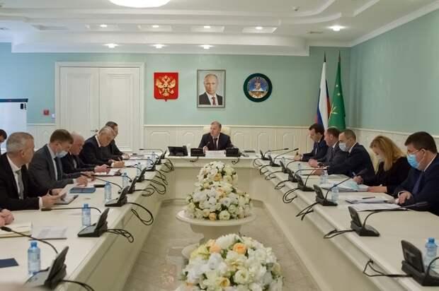 Мурат Кумпилов, глава Адыгеи, провел планерное совещание Кабинета министров РА