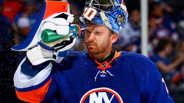 «Он — настоящий зверь!» Русский вратарь непобедим в плей-офф НХЛ — фанаты «Айлендерс» поют в честь Сорокина песни