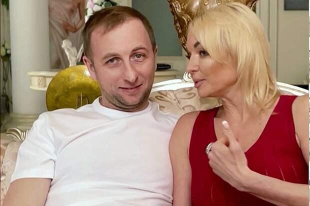 Не тот, за кого себя выдает: Анастасия Волочкова раскрыла неожиданную правду о своем женихе