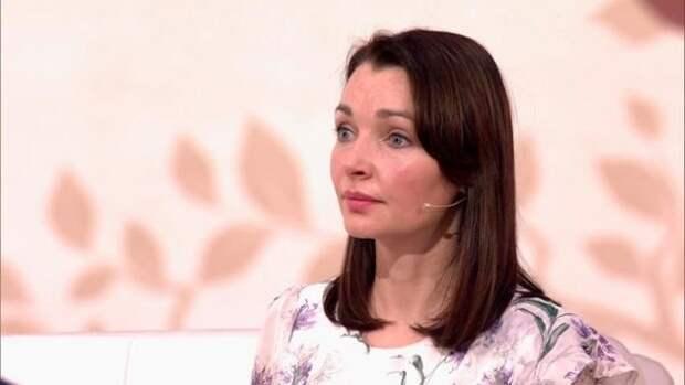 Актриса Наталья Антонова рассказала, как гадалка ей предрекла второго мужа