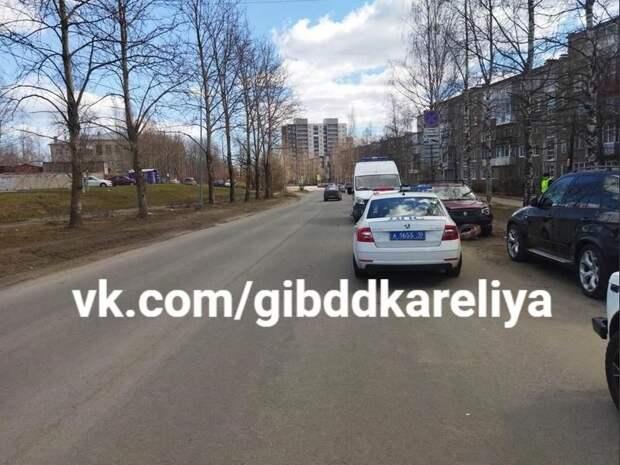 В Петрозаводске 80-летний водитель умер за рулем после сердечного приступа