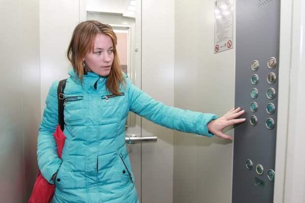 Сейчас лифт снова в удовлетворительном состоянии/Роман Балаев, архив газеты «Восточный округ»