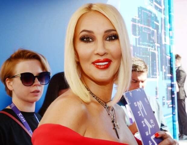 Лера Кудрявцева снова обратилась за помощью к медикам