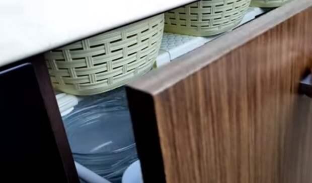 Как разложить вещи на маленькой кухне: идеи для удобного хранения