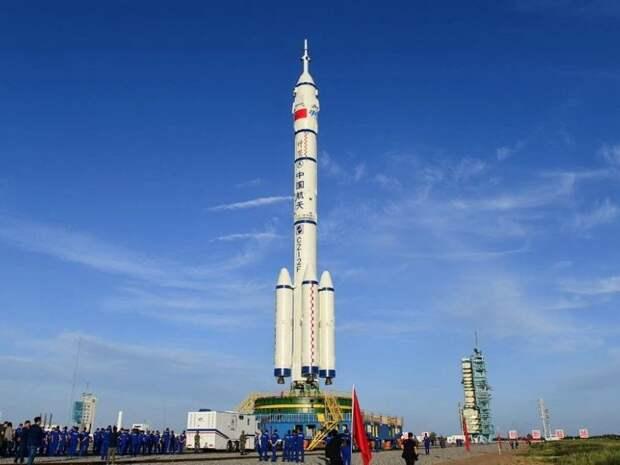 Китай готовится отправить первый экипаж на новую орбитальную станцию