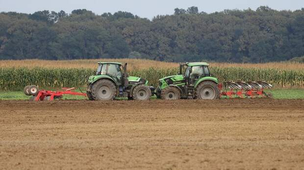 Аграрии могли стать виновниками пылевой бури вРостовской области