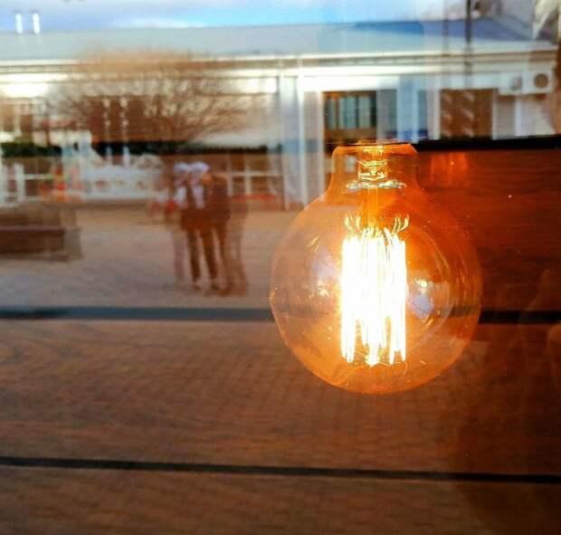 Часть Симферополя и Севастополя 19 апреля останется без электричества