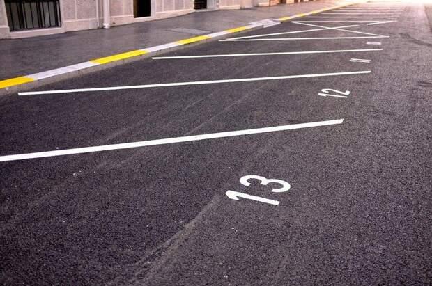 Хватает ли парковочных мест у вас во дворе? – новый опрос