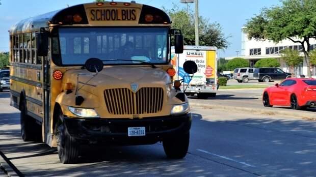 Полиция Техаса задержала женщину, которая пробралась в школу под видом дочери