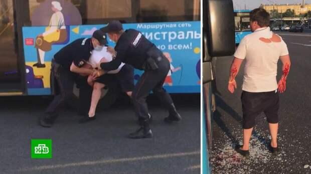Москвич устроил ДТП, напал на автобус и укусил полицейского