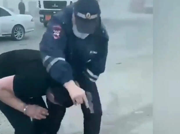 Сибиряки потребовали освободить застрелившего азербайджанца полицейского
