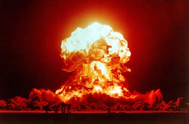 Рассказав о «ядерных закладках» РФ у берегов США, харьковчанин ввел в ступор ведущих украинского ТВ