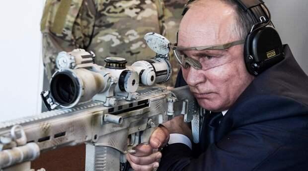 Владимир Путин призвал всех на войну с фальсификаторами истории