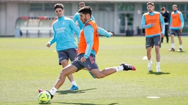 «Реал» огласил заявку на игру с «Гранадой». В ней 4 защитника, включая тинейджера из «Кастильи»