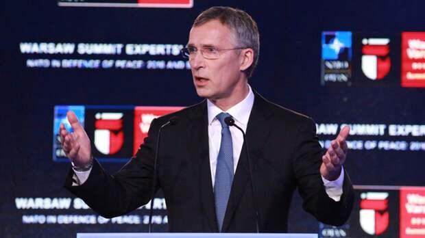 Столтенберг обеспокоен сотрудничеством России и Белоруссии